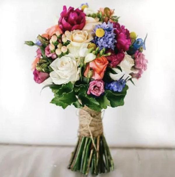 flora-urban-jungle-madrid-arreglos-florales-novias-rosas-ramos-para-novias-blanco-3
